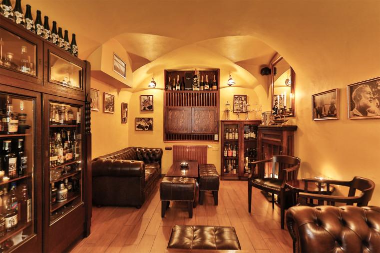 Hemingway Bar - Топ 5 лучших баров Праги