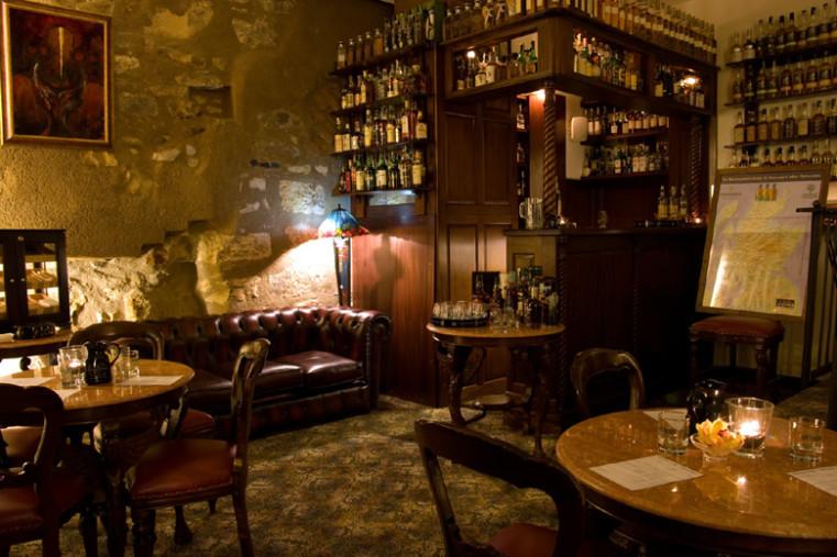 Jindřišska věž - Сигары и виски в лучших барах Праги