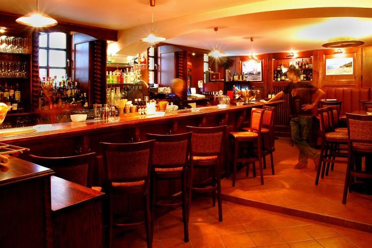 La Casa de la Havana vieja - Сигары и виски в лучших барах Праги