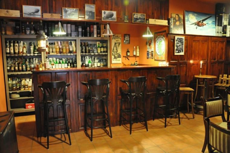 Marpek Whisky - Сигары и виски в лучших барах Праги