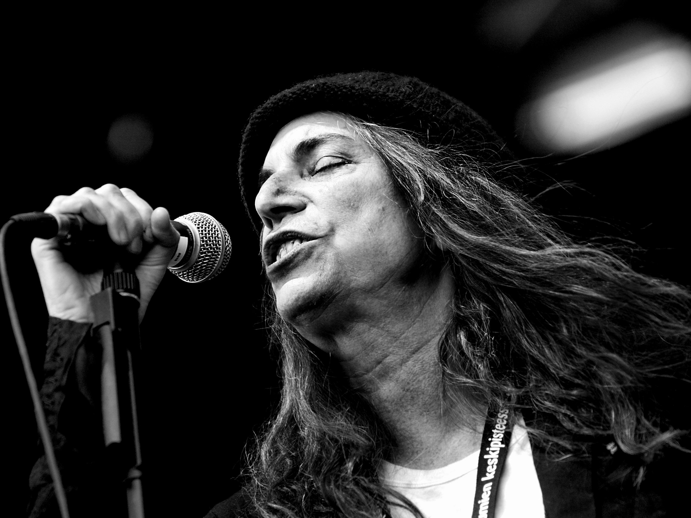 a biography of patti smith an american poet and actress