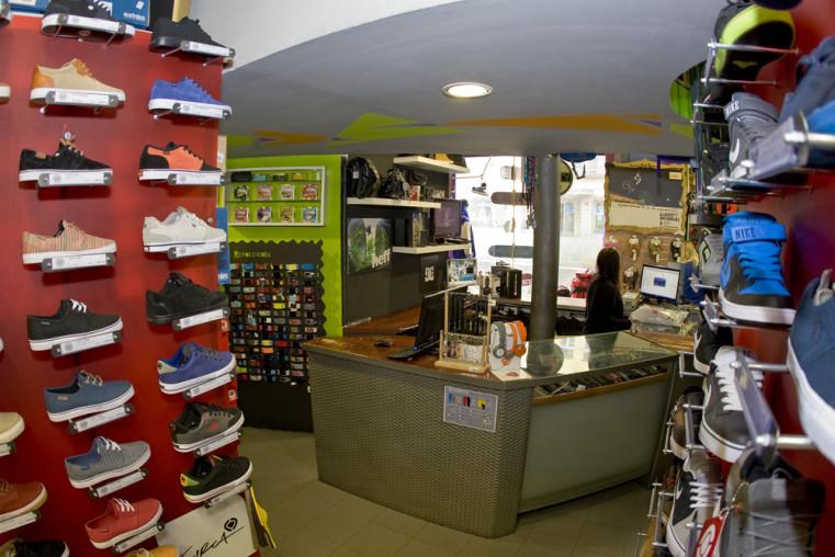 Revolution Shop - Популярные скейтшопы Праги