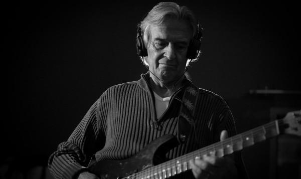 gitarist-virtuoz-dzhon-maklaflin-v-prage-2