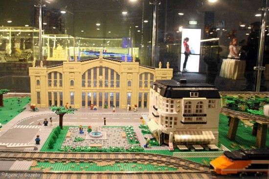Большая выставка моделей из Лего