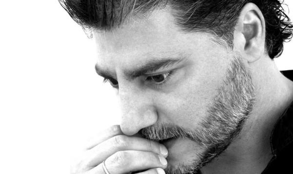 Оперный певец Хосе Кура